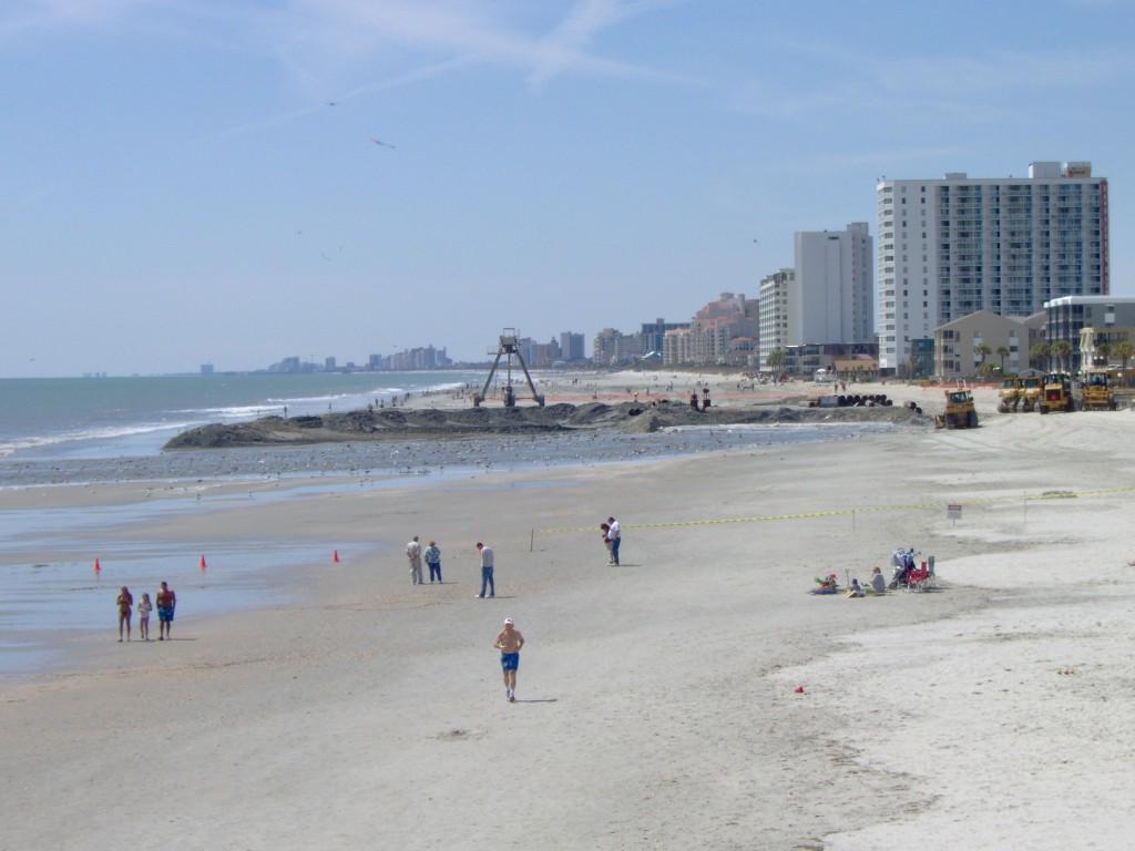 beachgoers1-1024x768